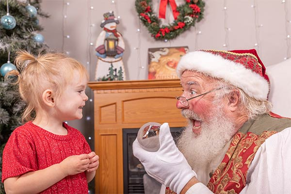 Professional Family Photos with Santa Dan 004